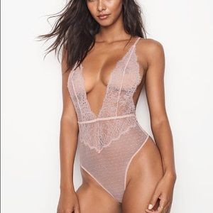 VS Large LACE SHEER TEDDY